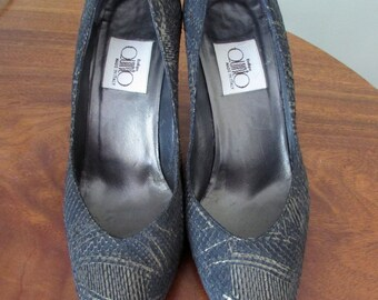 Snake skin and leather women shoes
