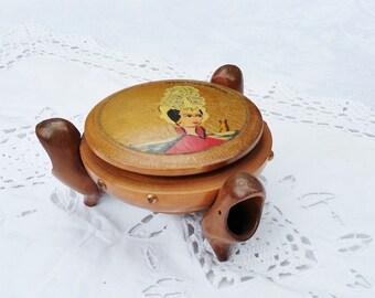 French vintage  wooden box  with wooden clog shoes, trinket box, souvenir from les Sables d'Olonne Vendée hand painted