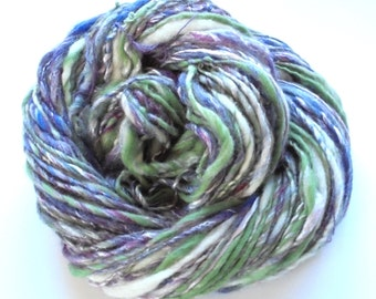 AMETHYST DREAM Handspun Yarn, Merino Silk Yarn, Single-ply Handspun, Worsted-weight handspun, Merino Wool Yarn, Artisan Yarn, Weaving, Knit