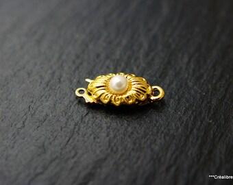 1 vintage gold metal clasp