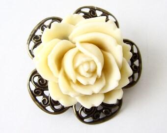 Flower Brooch // Rose Pin // Flower Lapel Pin // Fresh Collar Pin // Turban Pin // Hat Pin // Sash Pin