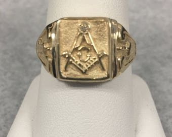 10KT Solid Gold Masonic Ring With Diamond