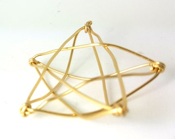 Mini Modern Gold Wire Star Tree Topper -  metal star handmade tree topper - small / mini - golden basket style 3-d Star - 1212R