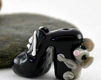 WITCH black shoe with little grey mouse whimiscal focal glass lampwork bead, collectible dog bead, Izzybeads SRA