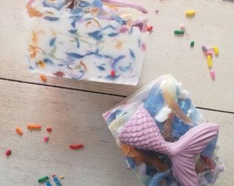 Mermaid soap, mermaid party, mermaid party favors, rainbow soap, beach soap, mermaid tail soap, mermaid soap favors, soap for girls