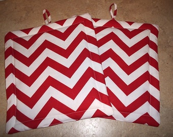 Set of 2 Potholders in Red and White Chevron fabric.