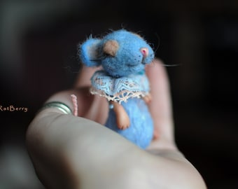 Woodland toy animal Miniature felt mouse Needle felted mouse Wool felt mice Miniature rat Felt Miniature Mice Poseable art doll creature toy