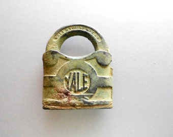 Antique Padlock by Yale and Towne USA ,  Solid Heavy Cast Brass Bronze Lock , Y & T No Key