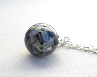 Lilac,lilac pendant,dried flower,lilac resin,dried lilac flowers,lilac orb,sphere pendant,lilac necklace,lilac sphere,dried flowers ball,orb