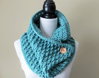 Crochet Cowl PATTERN / Scarf With Button / Neck Warmer / PDF Pattern / Made in Canada