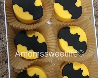 12 Batman cupcake toppers