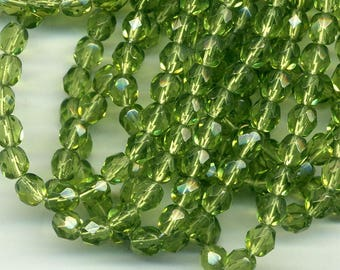 10 pearls of Bohemia faceted 6 mm olivine green glass