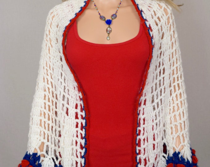 Vintage 1970's CELEBRITEES By Desco Women's Crocheted Red White & Blue Flower HiPPiE BoHo Shawl Knit Cape