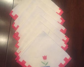 6 vintage napkins Red and white border with tulip