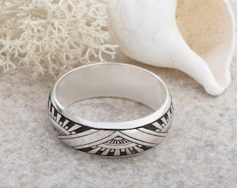 Art Deco Design Laser Engraved Ring