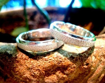 Frosted silver wedding rings