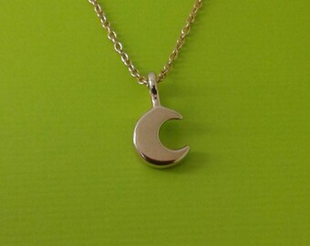 14k solid gold crescent moon pendant /litle moon necklace /moon charm/14kt  jewelry /14kt moon pendant /14 kt moon necklace /moon pendant