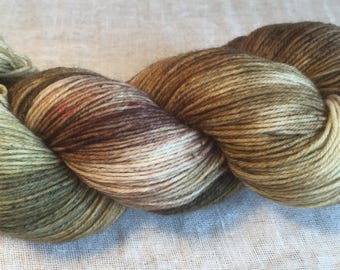 Brown, pale olive, cream speckled Hand Dyed 4ply Sock Wool/Nylon Yarn