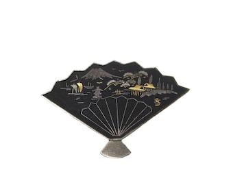 vintage Japanese damascene fan pin / brooch / metal silver / novelty brooch / Japan Asia Oriental / vintage jewelry / vintage brooch