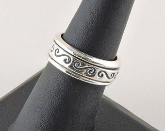 Size 7 Sterling Silver Textured Spinner Ring
