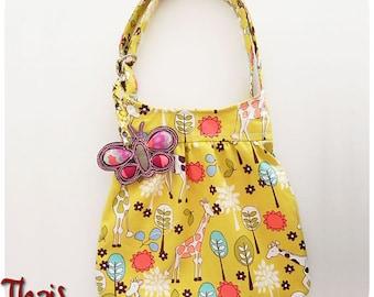 Margaret's Cross Body Bag - PDF Pattern and Tutorial - messenger bag, easy sew, several options, children, teens, woman