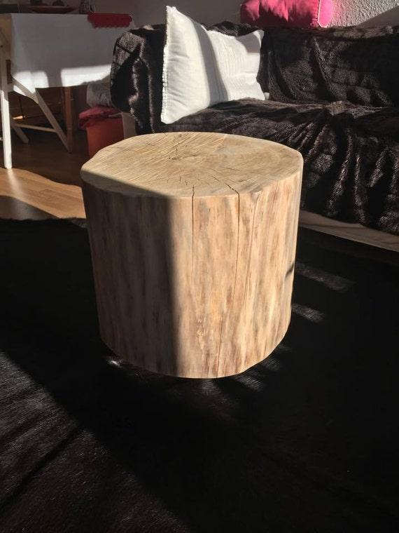 Ähnliche Artikel Wie Massivholzdesign Aus Original Baummstamm Mit  Praktischen Rollen Wird Zu Einem Einzigartigen Couchtisch Auf Etsy