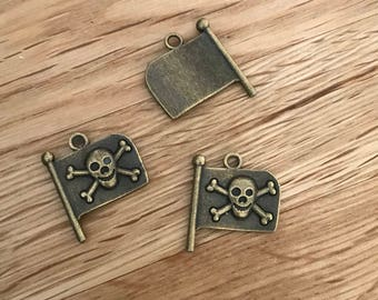 Antique Bronze Jolly Roger Pirate Flag Pendant Charms 17mm x 20mm