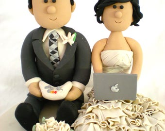 Wedding cake topper Laptop, Custom Cake topper Techie /IT Groom,  Computer Geeks Personalized Wedding Cake Topper, Geek Cake Topper, Gamer