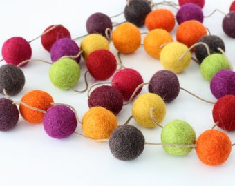 Fall Felt Ball Garland, Autumn Decor, Orange Yellow Green Purple and Brown Pom Pom Garland, Party Decoration, Thanksgiving Felt Ball Bunting
