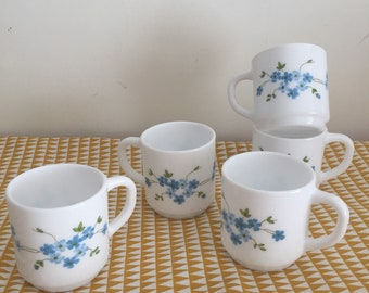 Cups blue flowers