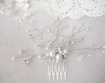 Bridal comb Ivory pearls hair piece Wedding hair accessories White pearls hair comb Rhinestone