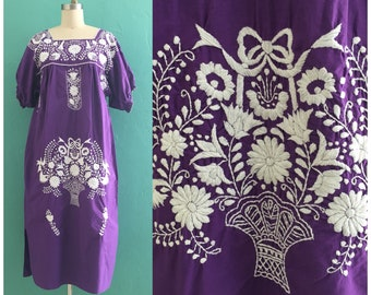 vintage 70's purple kaftan // embroidered lounge dress // muu muu