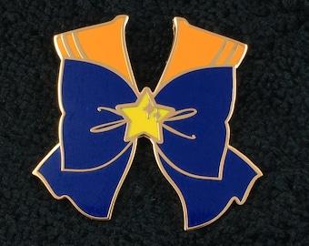 Sailor Venus bow pin
