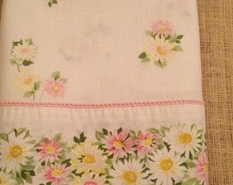 Vintage Twin Flat Sheet Pink & White Daisies *Sweet For Girl's Room*