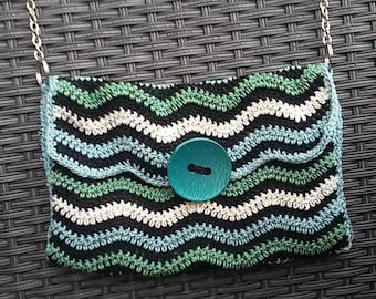 Crochet shoulder bag with chain belt, ceremony pochette, elegant pochette