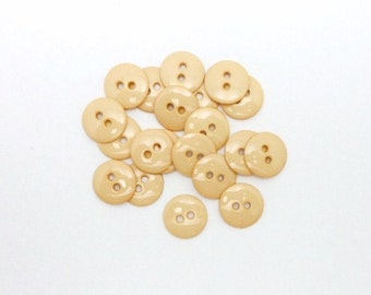 "Cream 5/8"" (16mm) Crafting Buttons (Package of 20)"