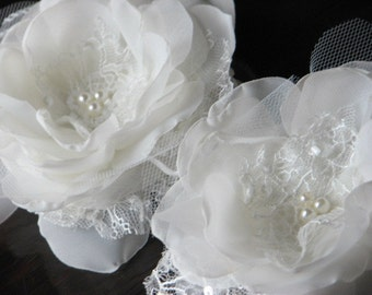 Ivory hair flower Wedding hair flower Ivory tulle flower Ivory lace hair flower Wedding tulle clips Ivory hair pins Ivory lace hair flowers