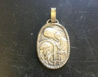 Lourdes/ Notre Dame pendant