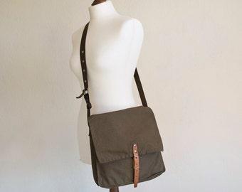 Vintage Military Bag 1970's Green Canvas Messenger Bag, Crossbody Bag, Military Surplus, Fishing Bag, Gift for Him