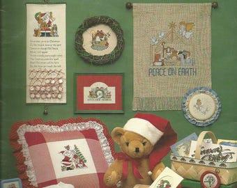 "Vintage Leisure Arts ""It's Christmas Time!"" Cross Stitch leaflet"