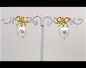 Beaded bow earrings