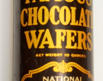 National Biscuit Company (aka NABISCO) 1940's Famous Chocolate Wafers TIN, Beautiful Front Condition, Twist Off Top; Shipping Included.