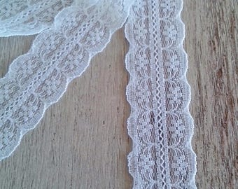 Thin white lace by the meter very chic and trendy