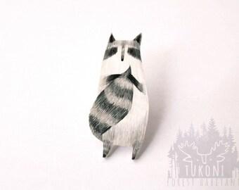 Raccoon brooch, raccoon pin, cute raccoon, animal jewelry, animal brooch, raccoon totem, totem brooch, miniature raccoon, woodland brooch