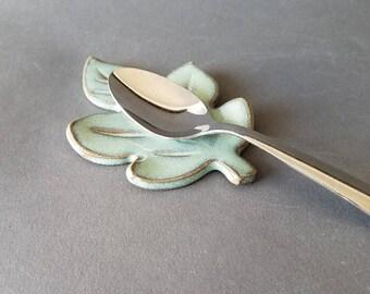 Oak Leaf Miniature Spoon Rest in Green for Tea Coffee Station
