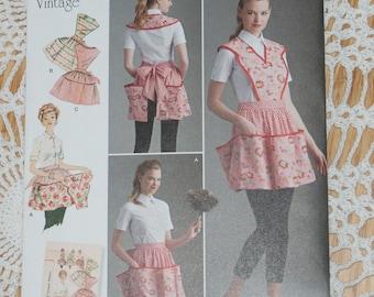 New Simplicity Apron Pattern 8533 Size A s,m,l