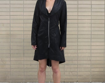 Black Trench Coat by Vootri