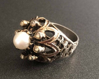 Vintage Rhinestone Ring with Faux White Pearl and Clear Rhinestones on Dark Silver and Gold Tone Band, Adjustable Size 7, Vintage Jewelry