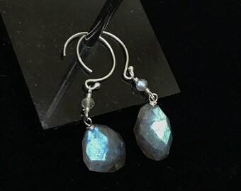 Blue Flash Labradorite Dangle Earrings, Labradorite Earrings, Labradorite Earrings Sterling Silver, Labradorite Earrings Drop, Labradorite.