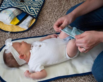 Diaper Clutch with Changing Pad and Binky Clip // Diaper Pouch